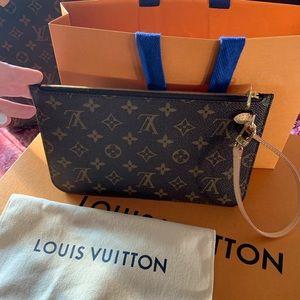 New Authentic Louis Vuitton Monogram Wristlet